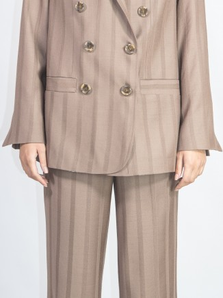 Recycled fabrics sustainable suit Gnana