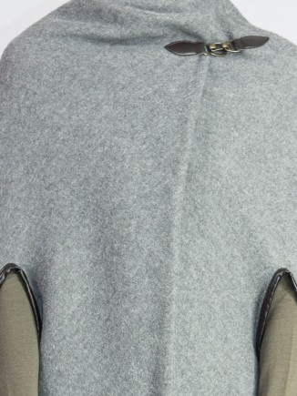 Upcycled cape Hooldra