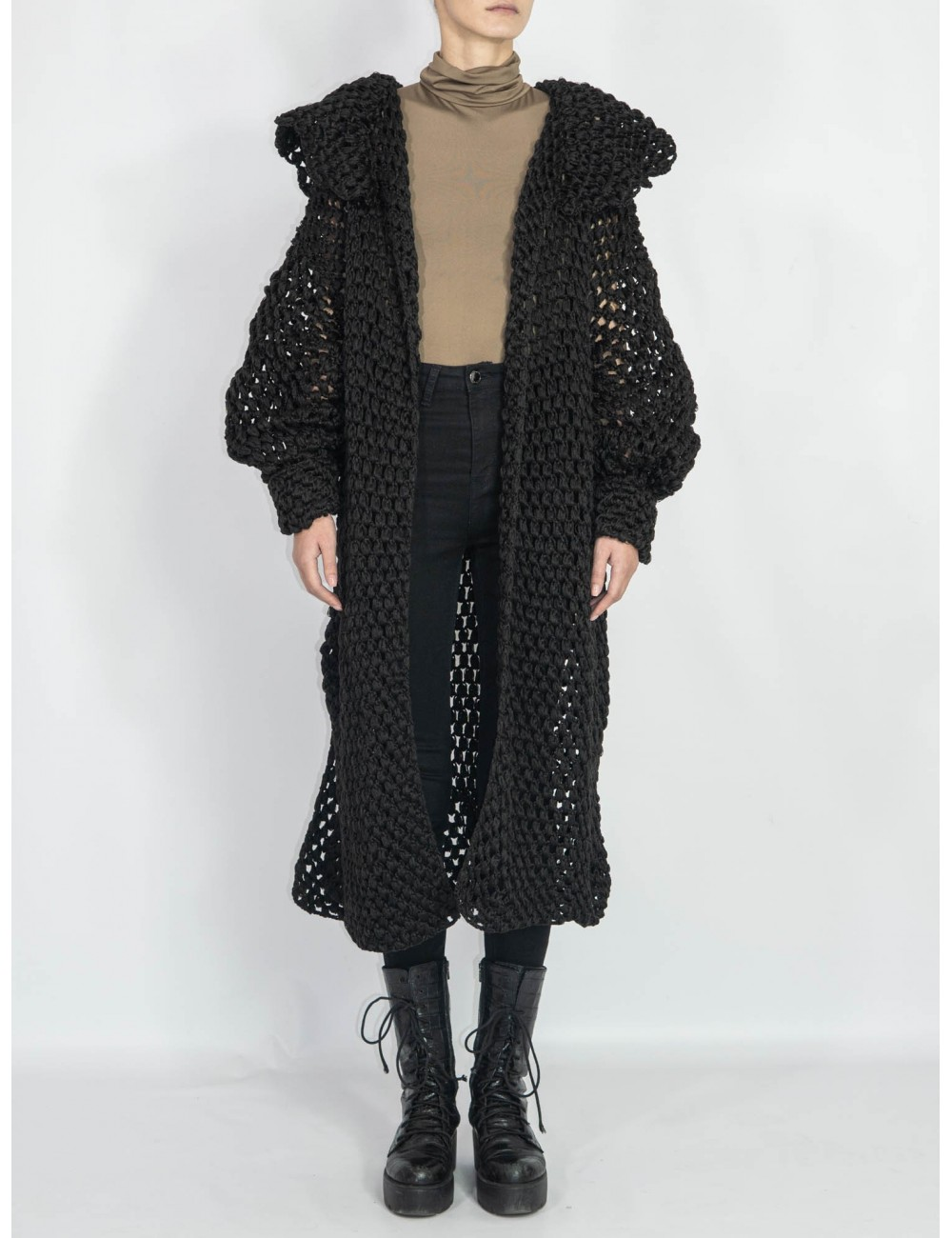 Crafted knitted coat/cardigan Hooldra